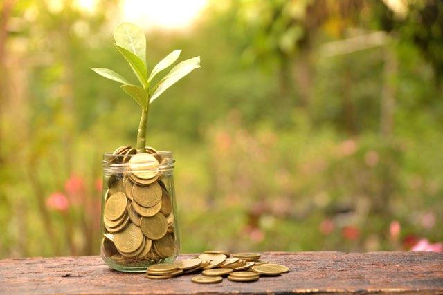 geld sparen of geld besparen